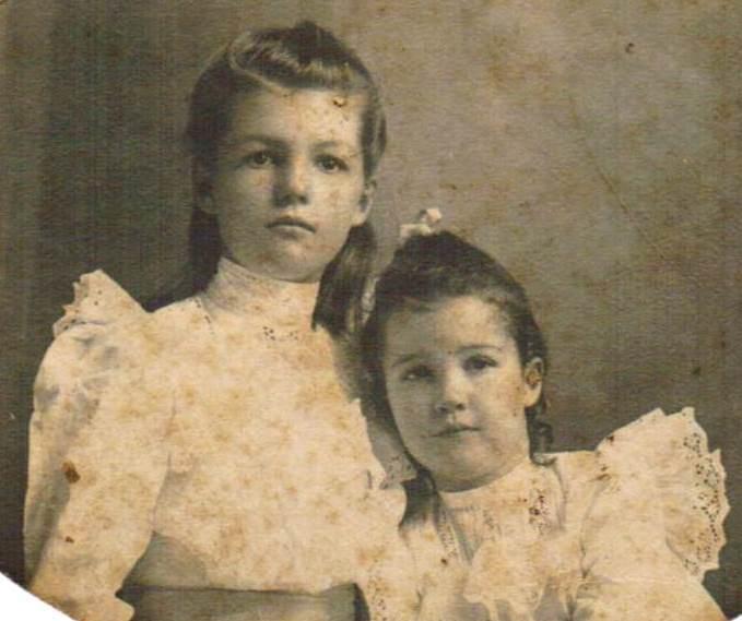 Sisters Theodosia Marie (Dosia) Thomas Martin and Hallie Atan Thomas Felder ca mid 1900s-cropped